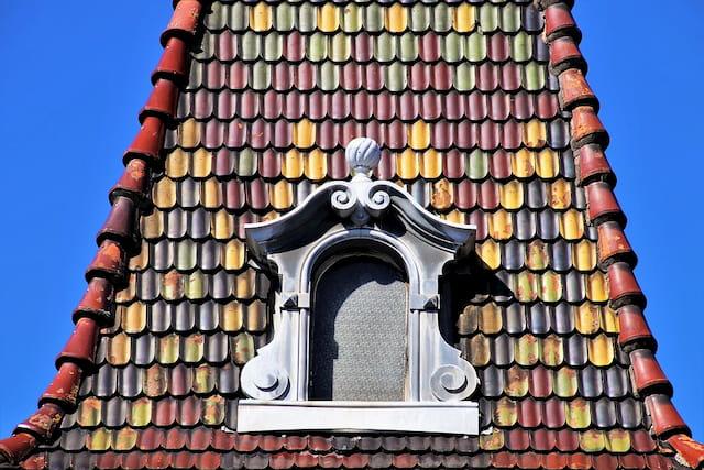 jolie fenêtre sur toit